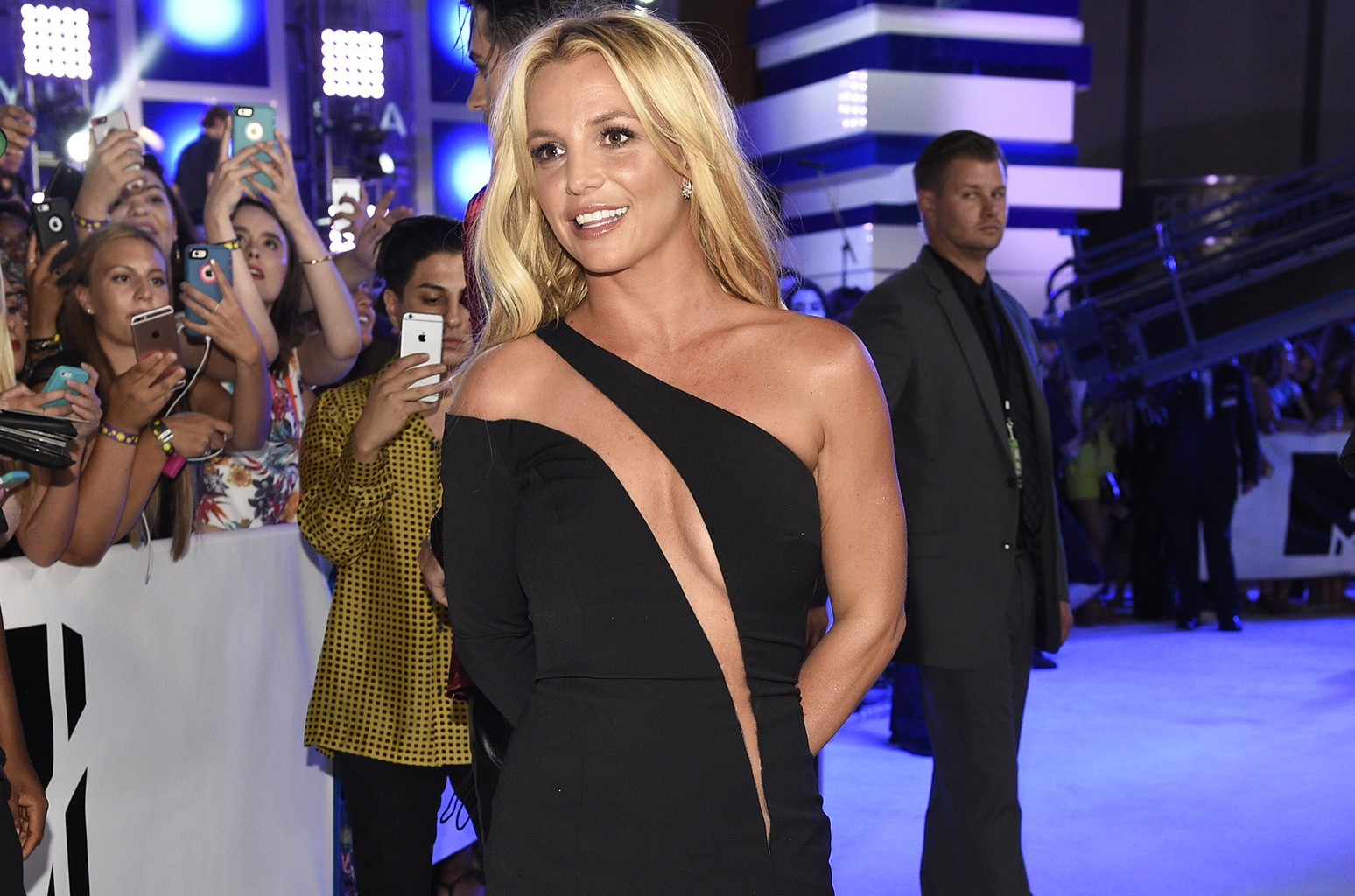 Britney Spears arrives at the MTV Video Music Awards at Madison Square Garden on Sunday, Aug. 28, 2016, in New York.