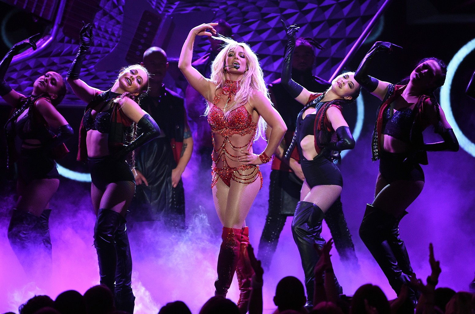 Britney Spears performs at the 2016 Billboard Music Awards