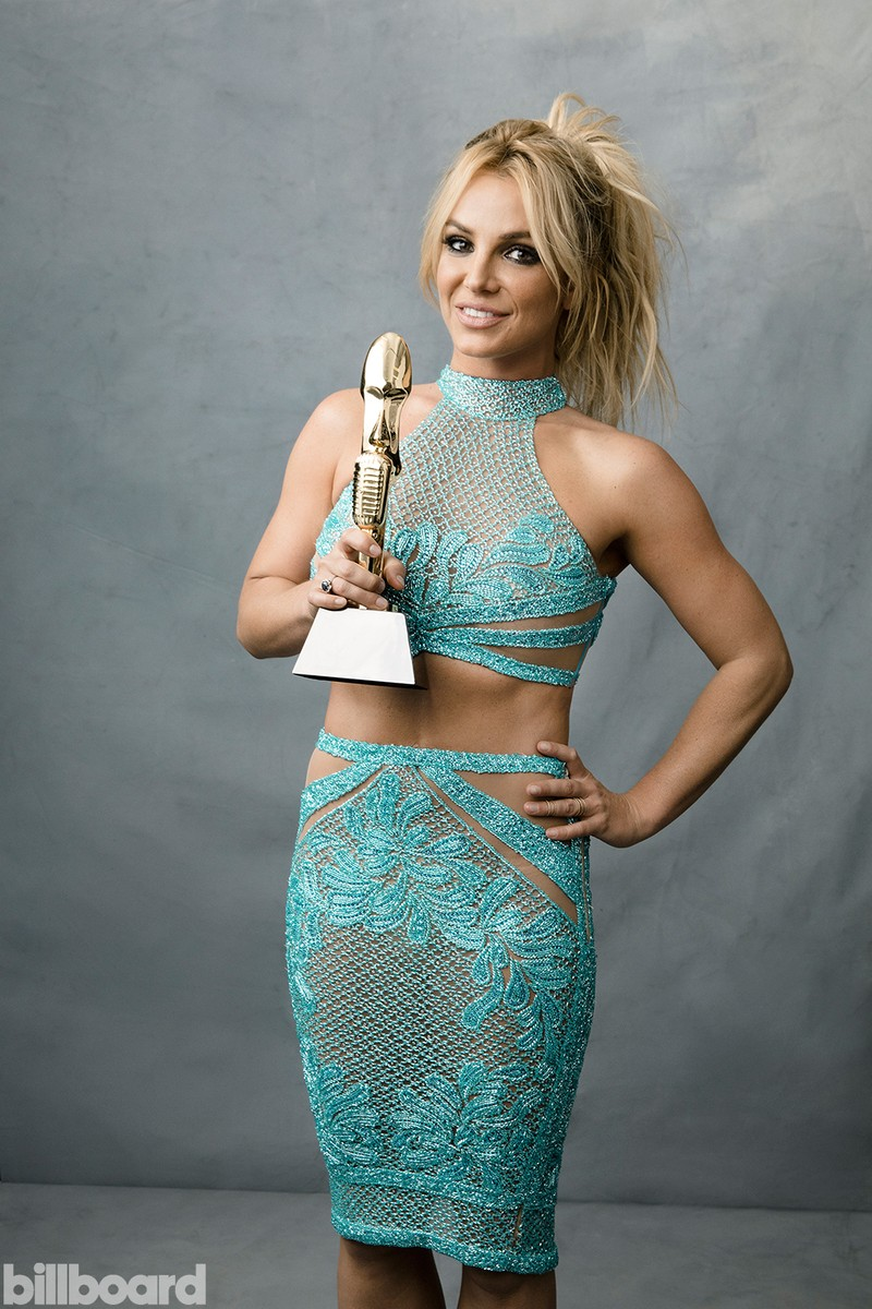 britney-spears-bbma-portrait-2016-billboard-1000-800x1200.jpg