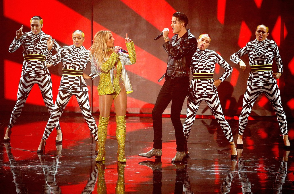 Britney Spears and G-Eazy perform onstage during the 2016 MTV Music Video Awards