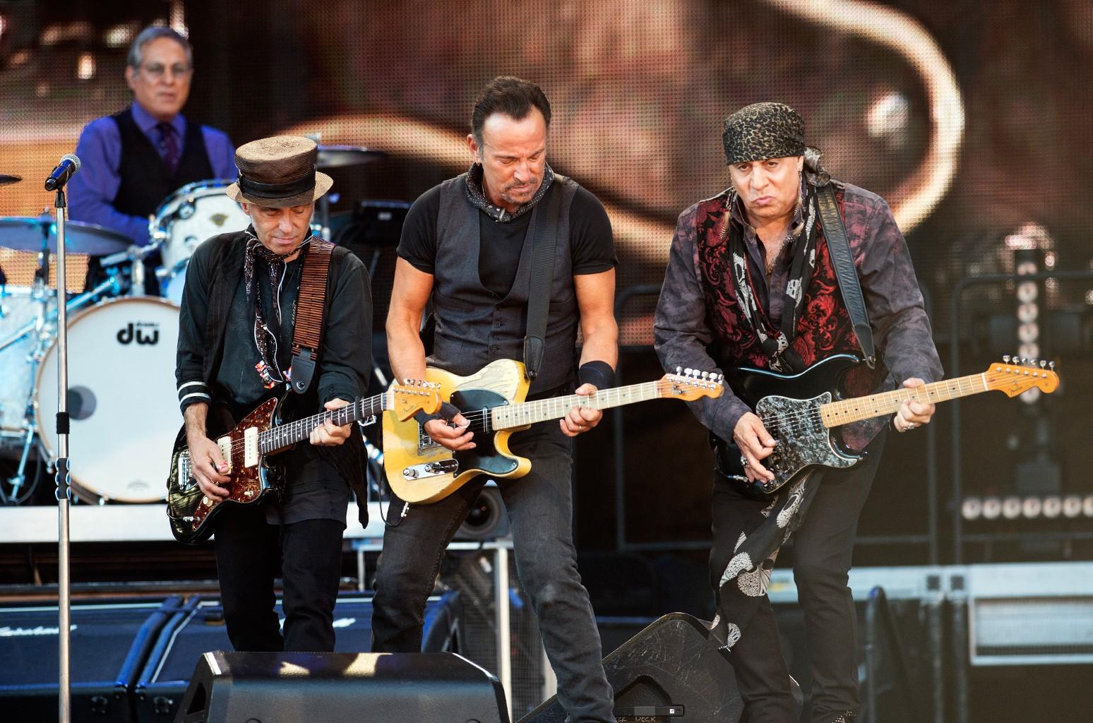Nils Lofgren, Bruce Springsteen, Steven Van Zandt  perform with the E Street Band