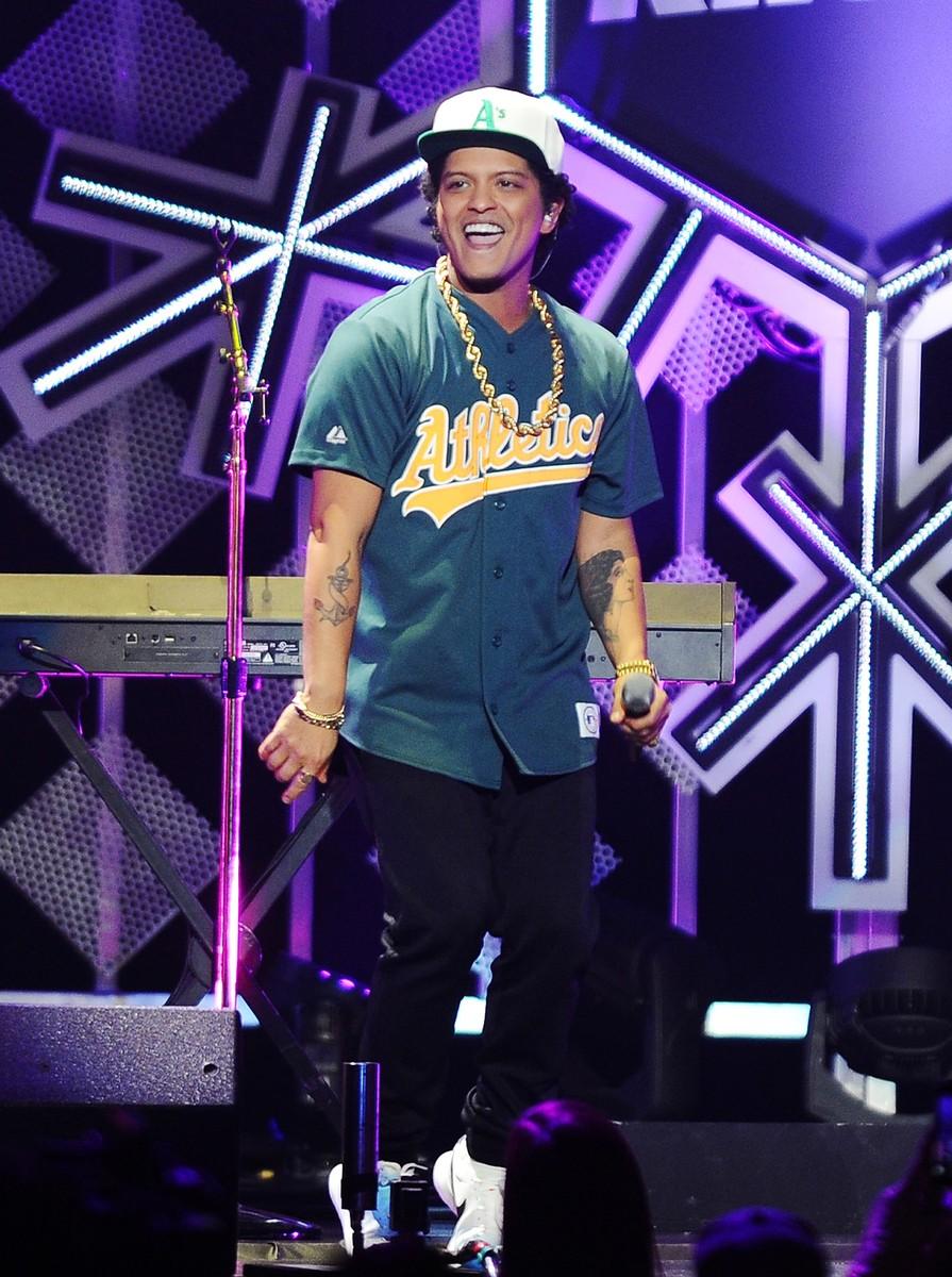 Bruno Mars, 2016