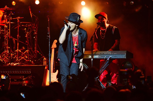 Bruno Mars New Years Eve
