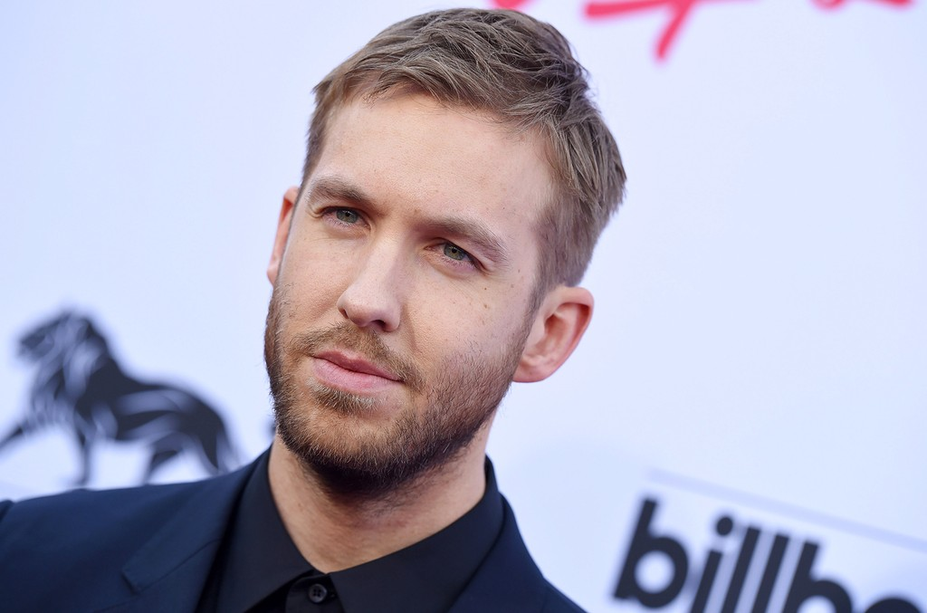 Calvin Harris arrives at the 2015 Billboard Music Awards