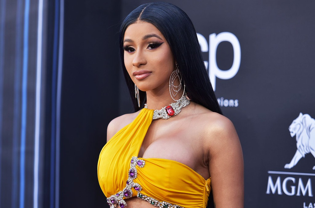 Cardi B Claps Back At Troll Who Shaded Her And Daughter