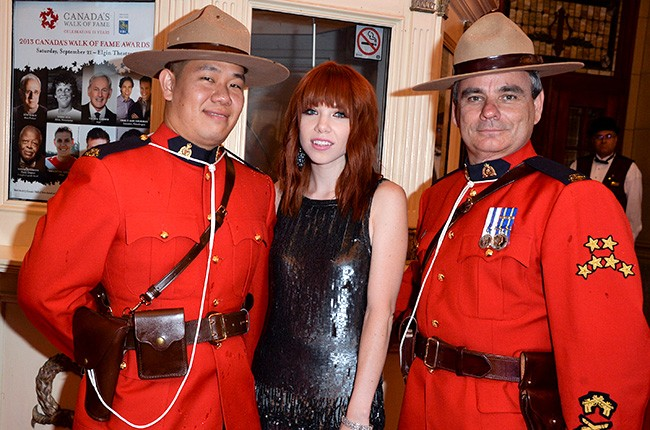 carly-rae-jepsen-canadas-walk-of-fame-ceremony-650-430