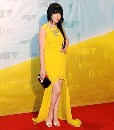 carly-rae-jepsen-red-carpet-juno-awards-2013-430