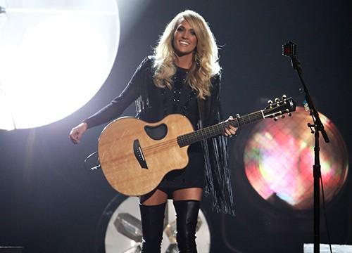 Carrie Underwood CMA