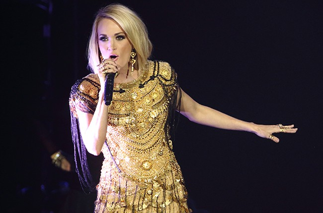 Carrie Underwood Country 2 Country  2016