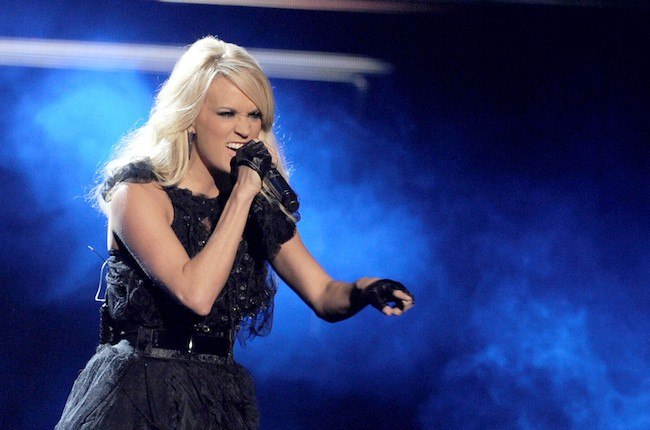 carrie-underwood-live-650px