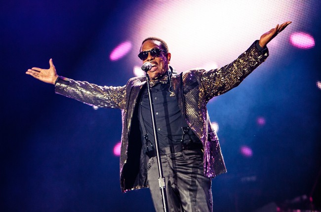 Charlie Wilson performs on stage during the 2015 Essence Music Festival