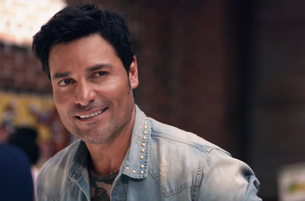 """Chayanne in a teaser for """"Qué Me Has Hecho"""""""