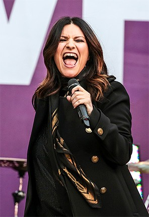 chime-for-a-change-laura-pausini-650-430