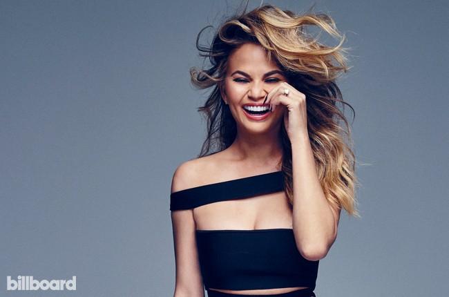 Billboard Music Awards host Chrissy Teigen