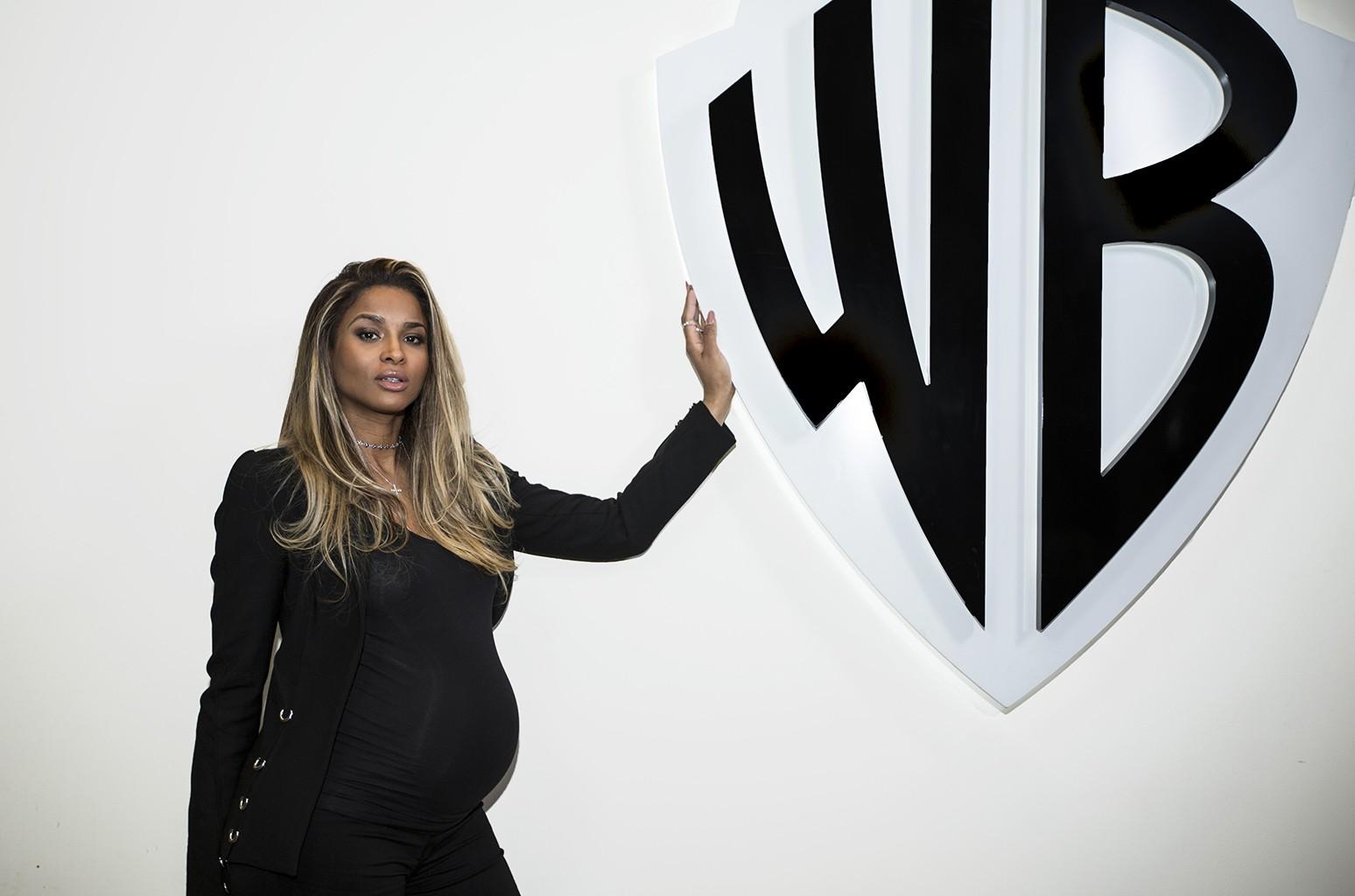 Ciara signs to Warner Bros. Records