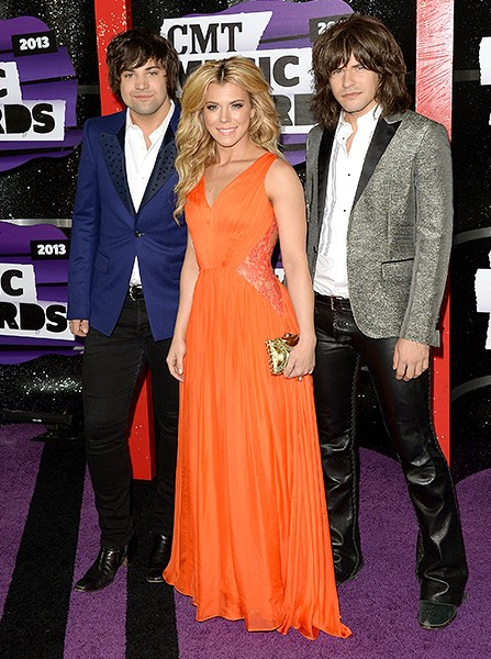cmt-awards-2013-best-dressed-kimberly-perry-600
