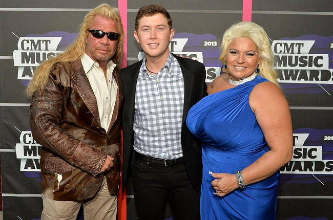 cmt-awards-2013-dog-bounty-hunter-scotty-mccreery-650-430