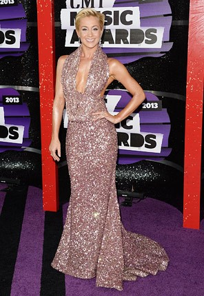 cmt-awards-2013-kellie-pickler-430