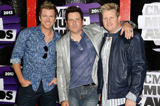 cmt-awards-2013-rascal-flats-650-430