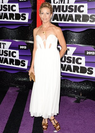 cmt-awards-2013-sheryl-crow-430