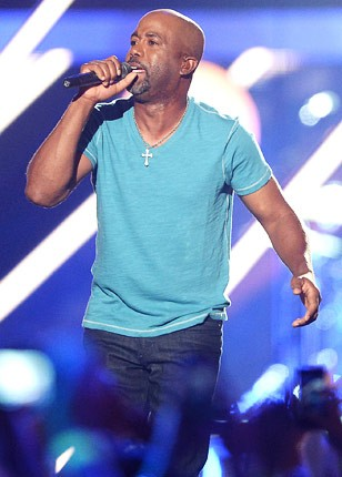 cmt-awards-2013-show-darius-rucker-430