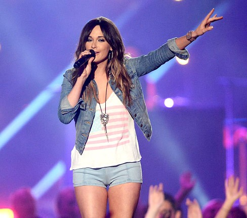 cmt-awards-2013-show-kacey-musgraves-430