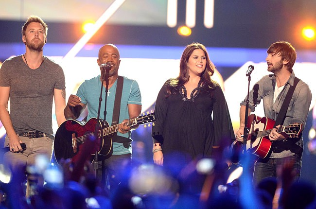 cmt-awards-2013-show-lady-antembellum-darius-rucker-650-430