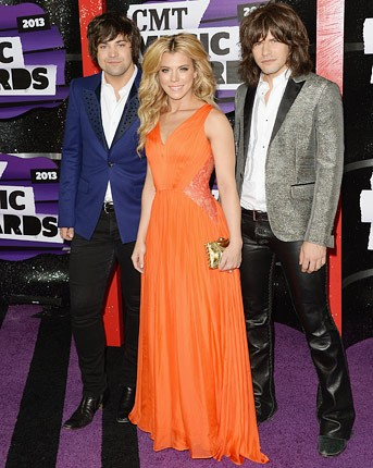cmt-awards-2013-the-band-perry-430
