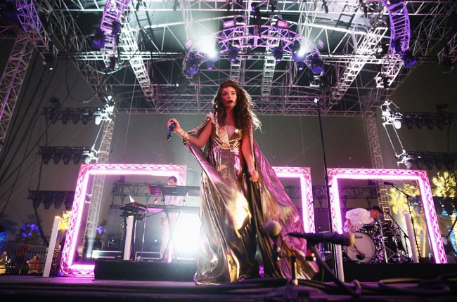 Lorde performs at Coachella 2014