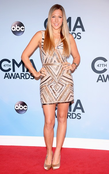 colbie-caillat-cma-awards-red-carpet-2013-600