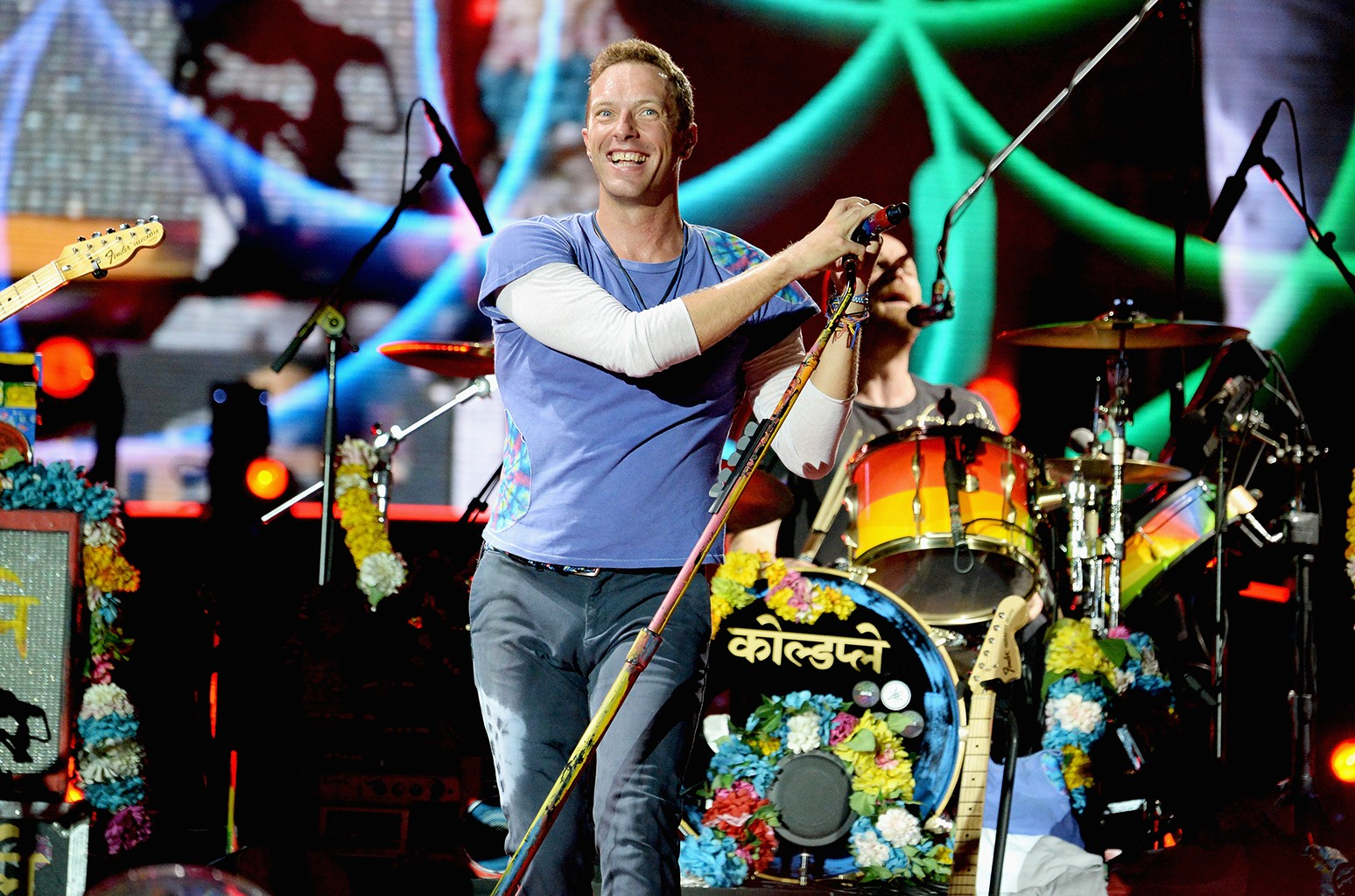 """Coldplay perform during the """"A Head Full of Dreams"""" tour"""