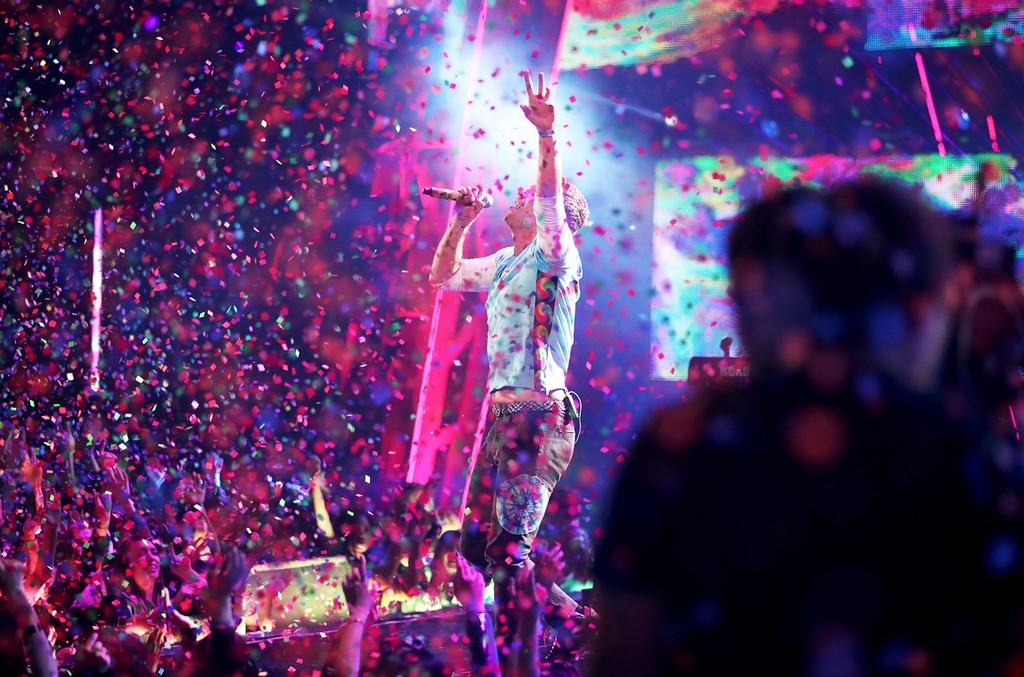 Chris Martin performs onstage at the 2017 iHeartRadio Music Awards which broadcast live on Turner's TBS, TNT, and truTV at The Forum on March 5, 2017 in Inglewood, Calif.