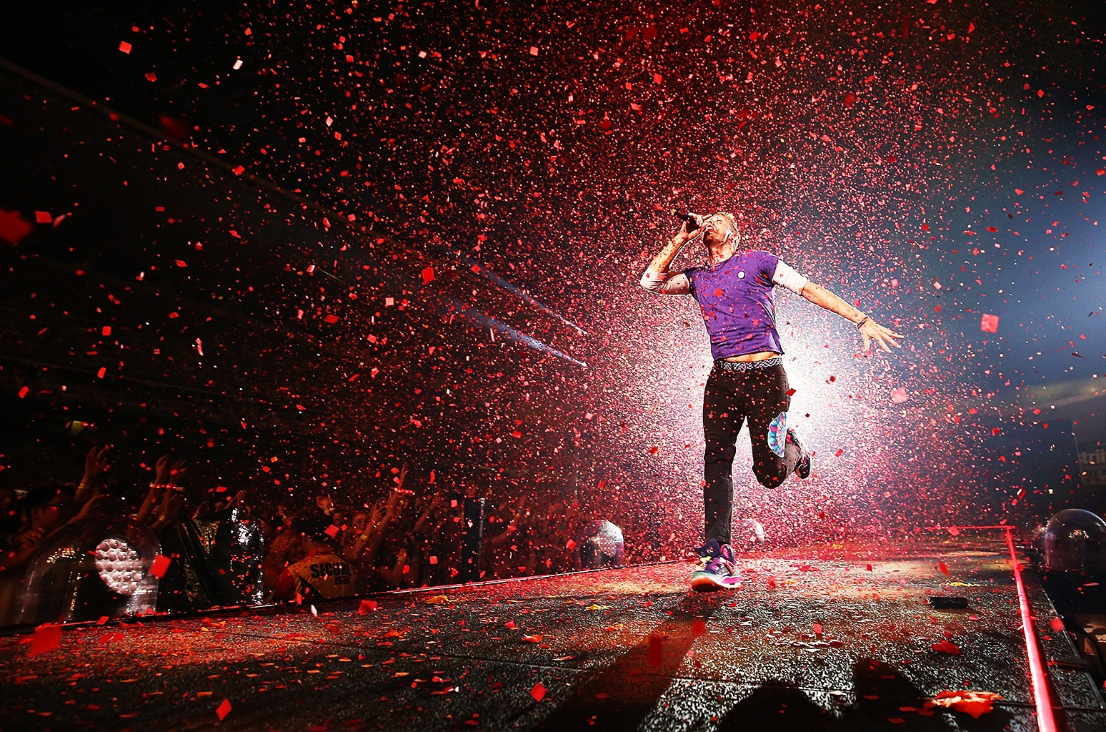 Chris Martin of Coldplay performs at Allianz Stadium on Dec. 13, 2016 in Sydney, Australia.