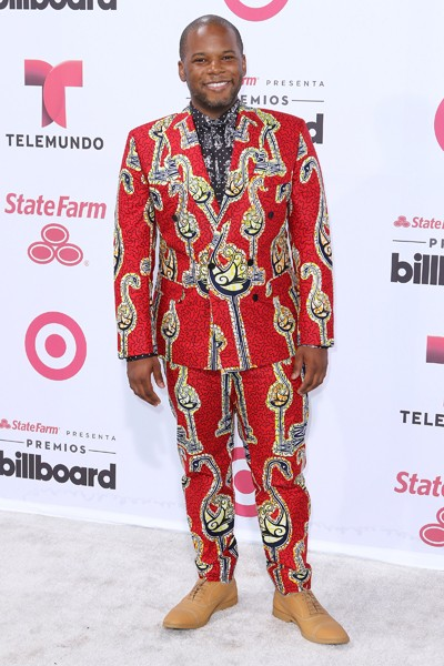 Coreon-Du arrives at 2015 Billboard Latin Music Awards