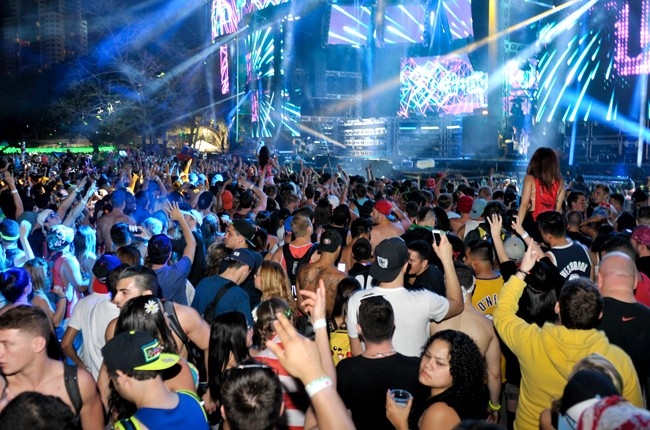 General view of atmosphere during Ultra Music Festival