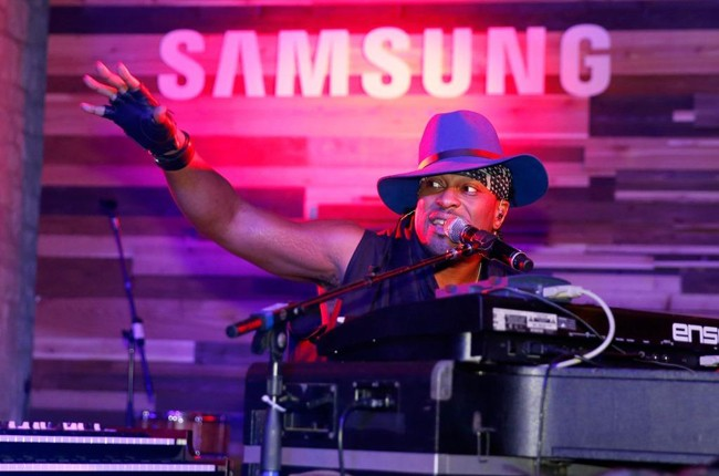 D'Angelo performs onstage during the Samsung Supper Club at SXSW 2015