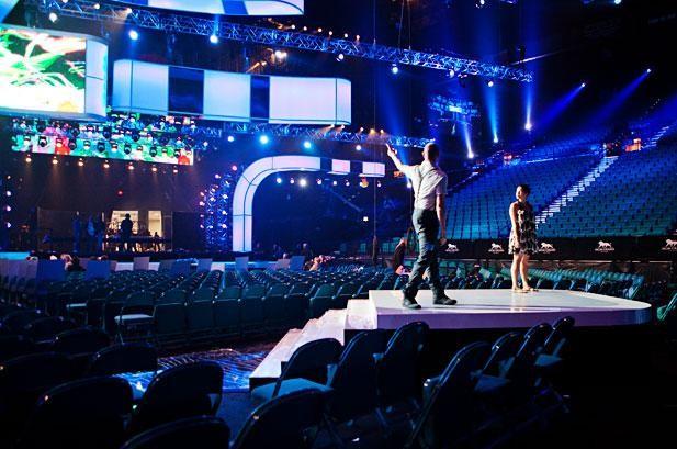dancersbackstagebbma2012617409_2