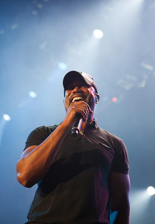 Darius Rucker performs onstage at Allstate Arena