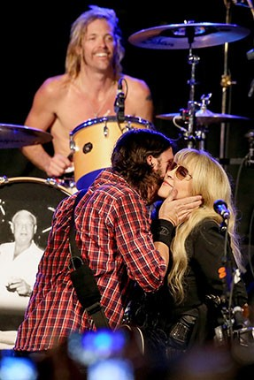 Taylor Hawkins, Dave Grohl and Stevie Nicks
