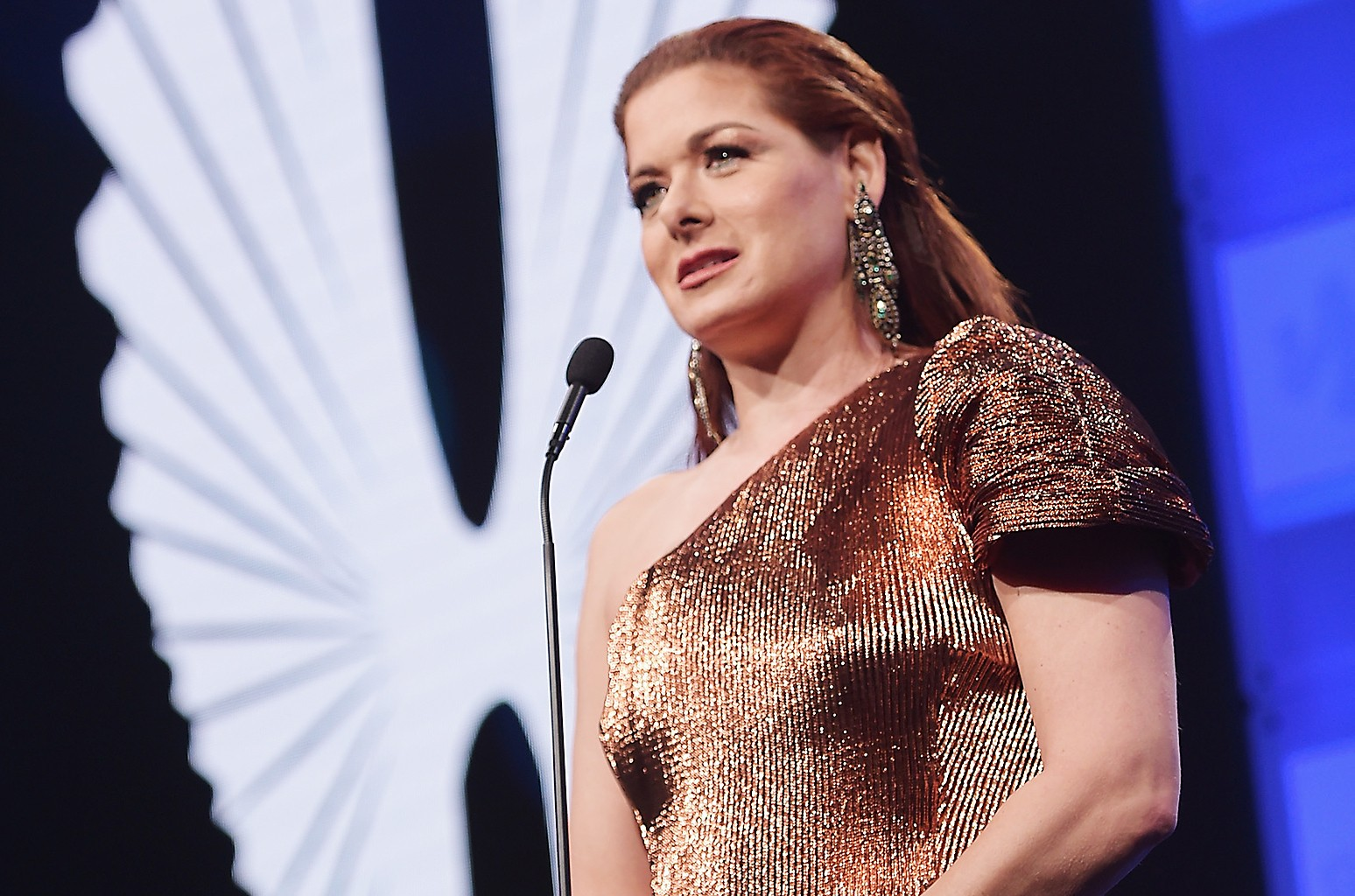 Debra Messing accepts the Excellence in Media award at the the 28th Annual GLAAD Media Awards at The Hilton Midtown on May 6, 2017 in New York City.