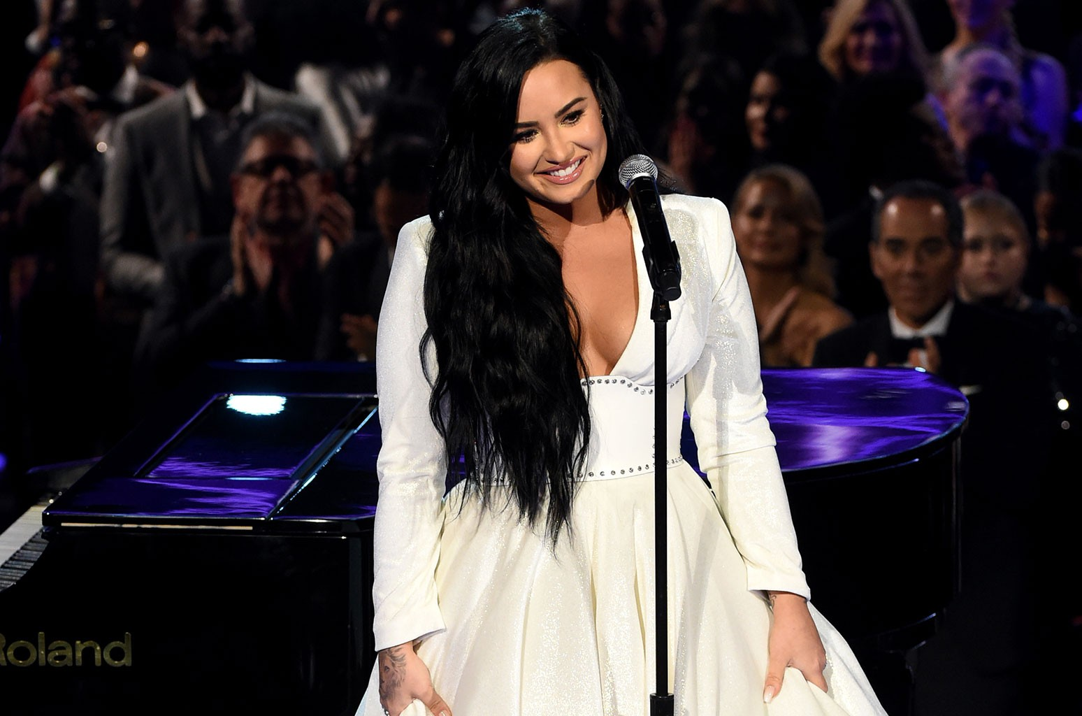 P Nk Sam Smith And Selena Gomez Praise Demi Lovato S Emotional 2020 Grammys Comeback Performance Billboard