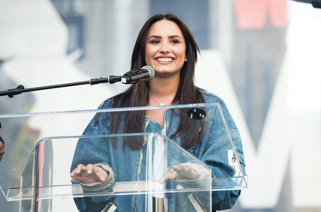 Demi Lovato speaks onstage at the women's march in Los Angeles on January 21, 2017 in Los Angeles, California.  (Photo by Emma McIntyre/Getty Images)