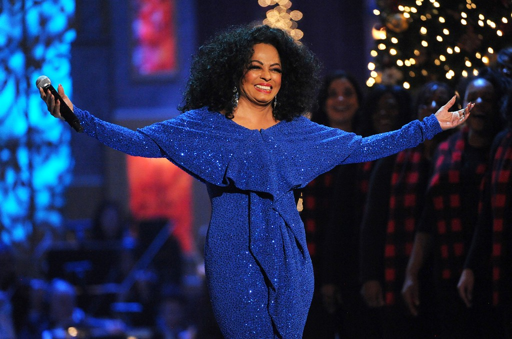 Diana Ross performs in 2012