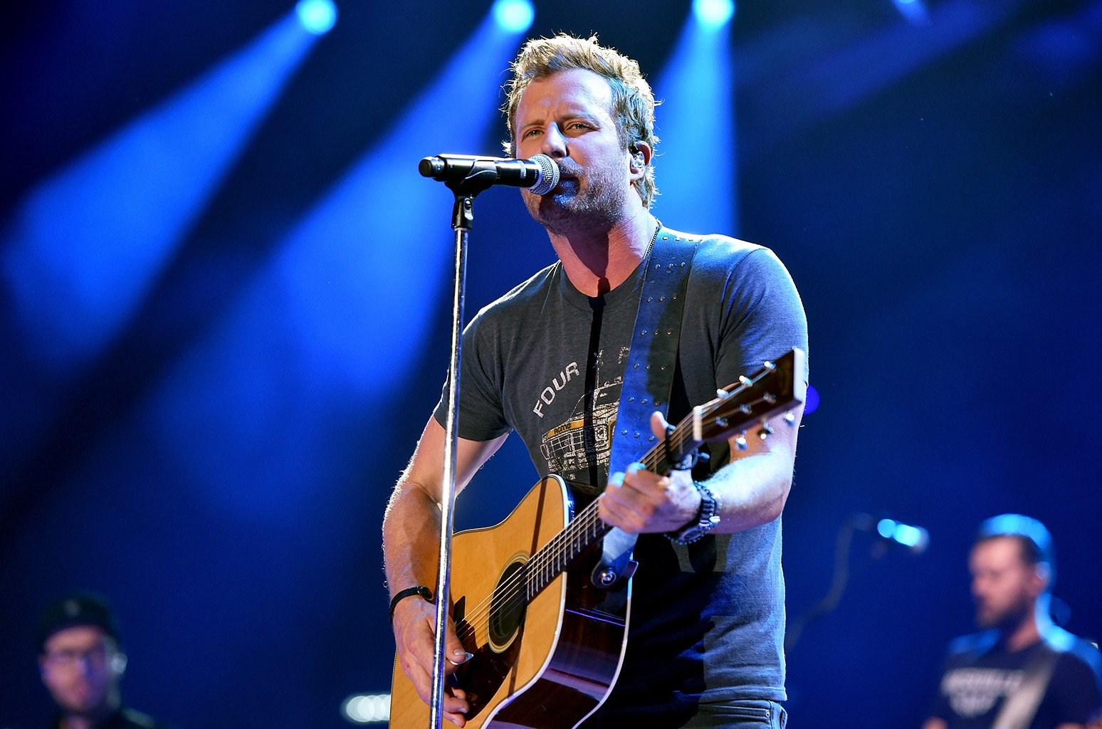 Dierks Bentley On His Behind Black Video Diary Billboard Billboard