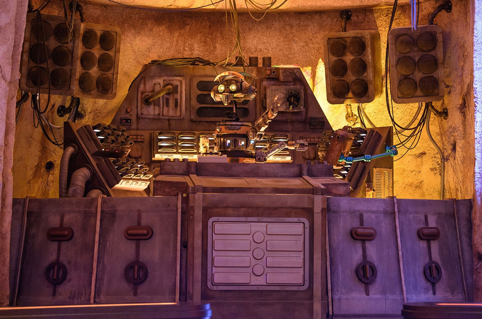 DJ R3X at Oga's Cantina in Star Wars: Galaxy's Edge.