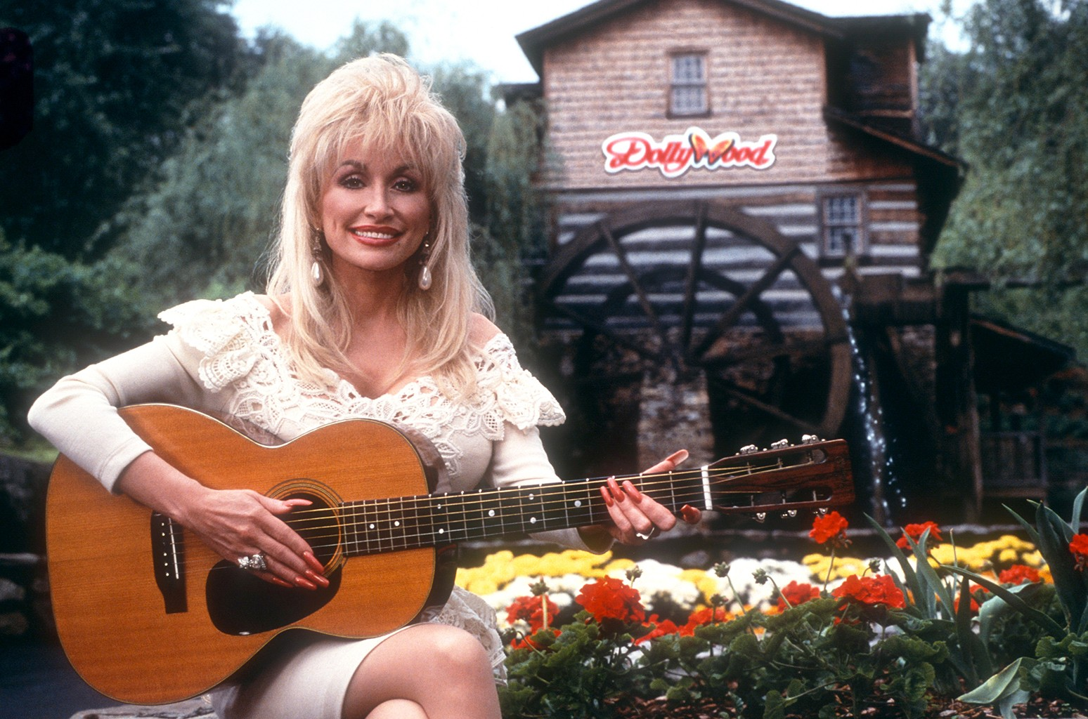 Dollywood Opens For 33rd Season Everything To Know About Dolly Parton S Theme Park Billboard Billboard