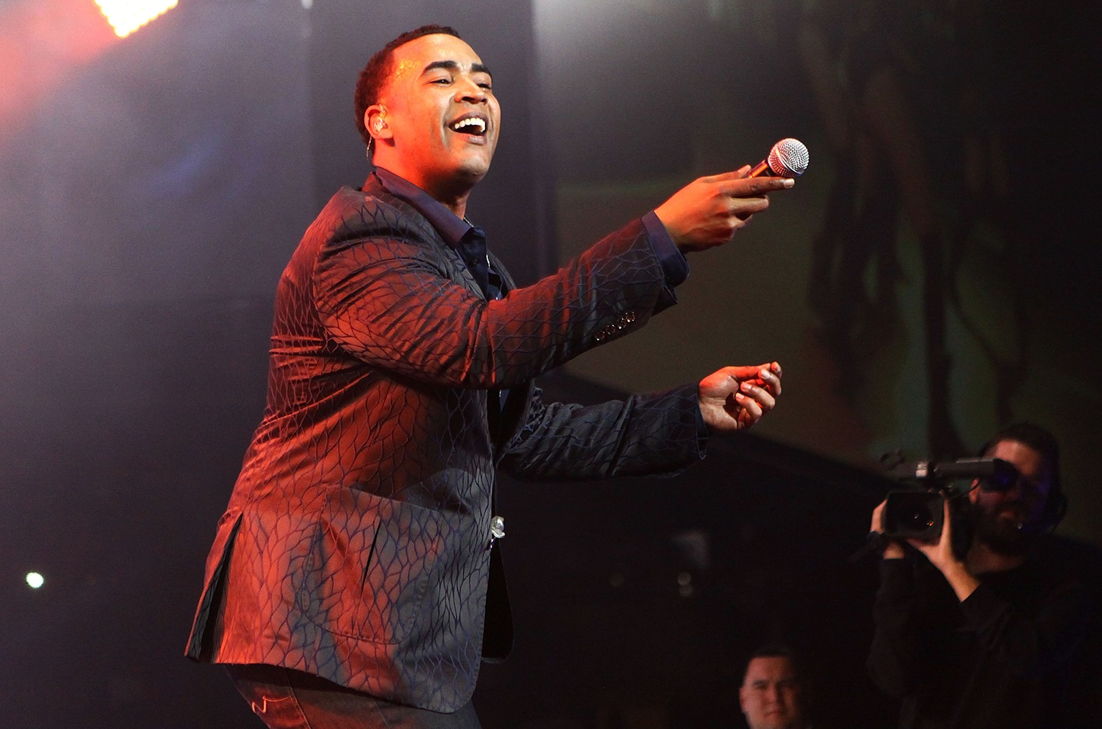 Don Omar performs in 2015