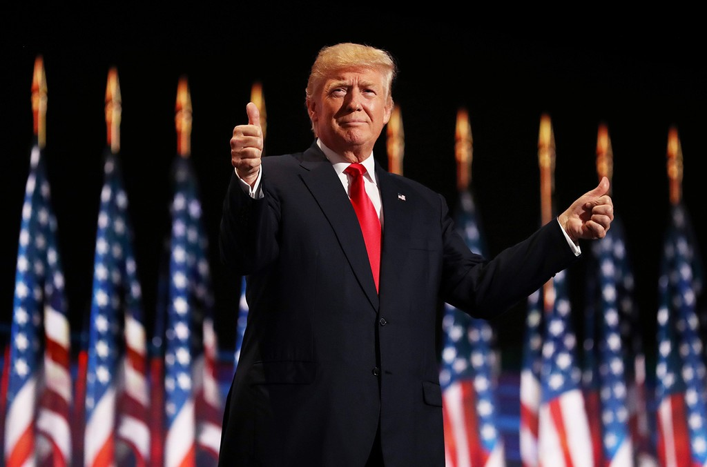 donald-trump-thumbs-up-2016-billboard-1548