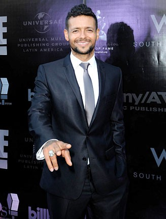 draco-rosa-latin-hall-of-fame-red-carpet-430