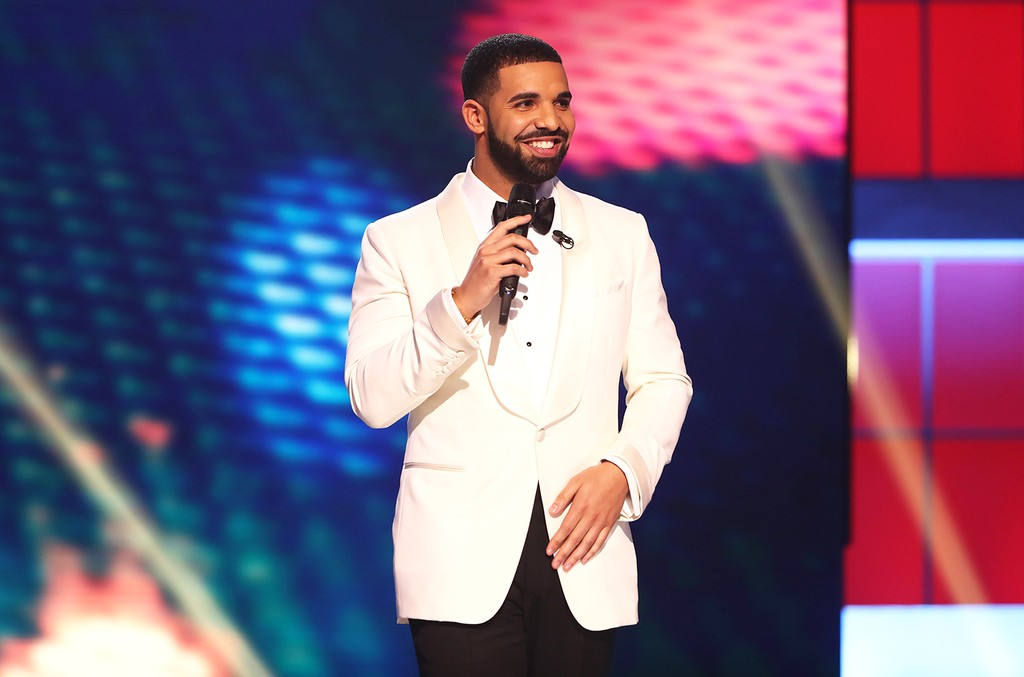 Drake hosts the NBA Awards Show on June 26, 2017 at Basketball City at Pier 36 in New York City.